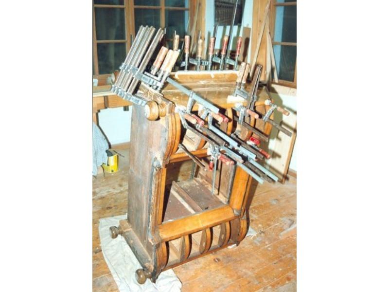 alte mbel auffrischen holz free antike mbel techniken materialien projekte mit amazonde julia. Black Bedroom Furniture Sets. Home Design Ideas