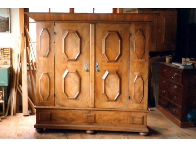 Restaurieren Von Antiquitaten Und Alten Holzmobeln Markus Frei